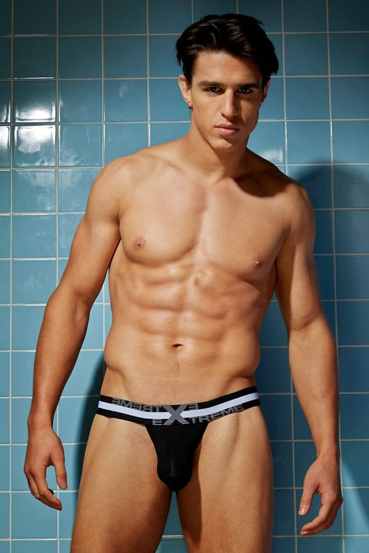 Joe-LoCicero-For-Undergear-2014-12
