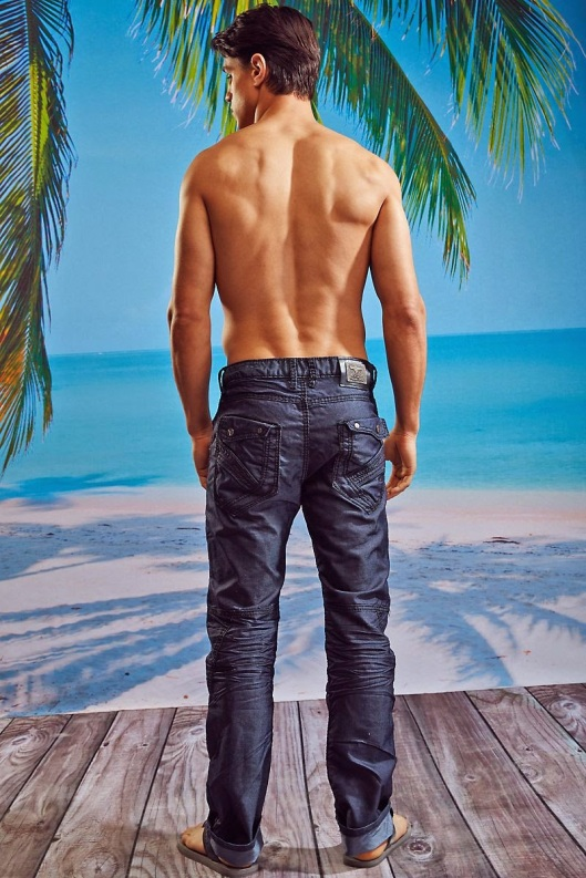 Joe-LoCicero-For-Undergear-2014-15